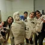Die Mumien feiern mit den Lebendigen