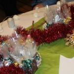 Die Tische wurden weihnachtlich geschmückt.