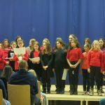 Unser Schulchor erzeugte mit seinen Liedern vorweihnachtliche Stimmung.